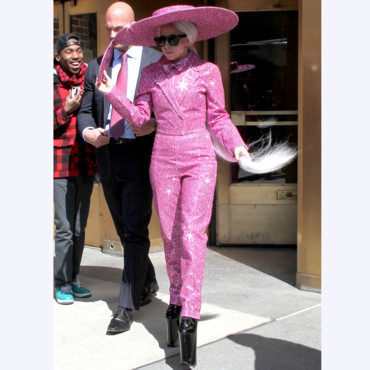 Lady Gaga sortant de son appartement à New York le 24 Mars 2014