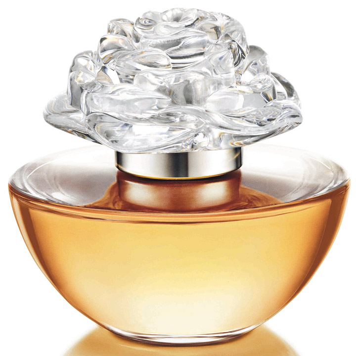 In Bloom, le parfum Avon avec Reese Witherspoon