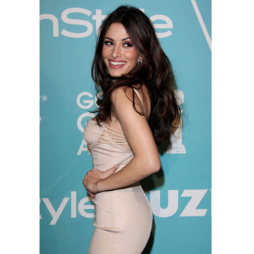 Sarah Shahi série Facing Kate