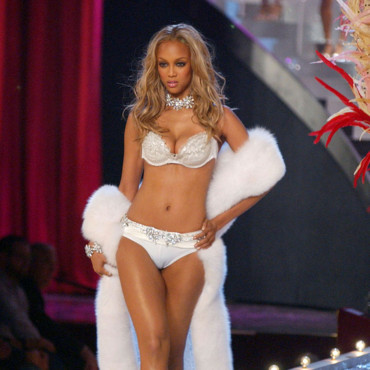 Tyra Banks au défilé Victoria's Secret