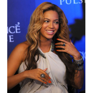 Beyonce Knowles promotion parfum Pulse septembre 2011