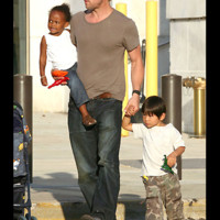 Photo : Brad Pitt, Zahara et Pax Thien
