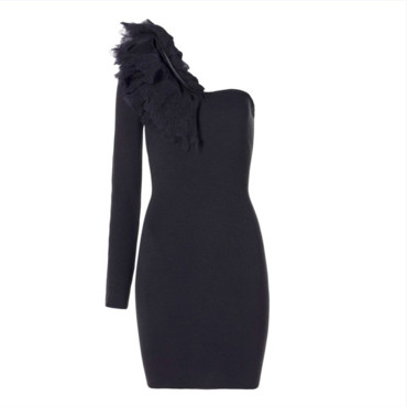 Robe one-shoulder, Sisley. Prix : 86,95 euros