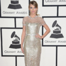 Look du jour: Taylor Swift, véritable Golden Girl des Grammy Awards 2014