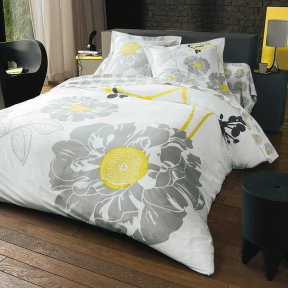 linge de lit quoi de neuf du c t des 3 suisses linge de lit fleuri 3 suisses d co. Black Bedroom Furniture Sets. Home Design Ideas