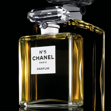 chanel n 5 un parfum d 39 ternit le documentaire consacr beaut. Black Bedroom Furniture Sets. Home Design Ideas