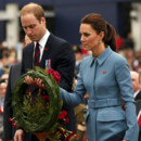 Kate Middleton et le prince William au mémorial de guerre de Seymour Square à Blenheim en Nouvelle-Zélande le 10 avril 2014