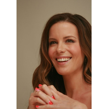 Kate Beckinsale conférence de prese Total Recall août 2012 vernis à ongles brushing Los Angeles