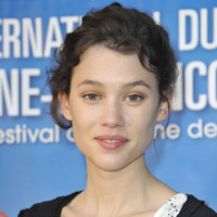 Photo : Astrid Berges-Frisbey au naturel