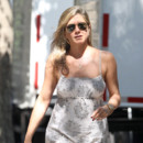 "Jennifer Aniston sur le tournage de ""Squirrels To The Nuts"" le 18 juillet 2013"