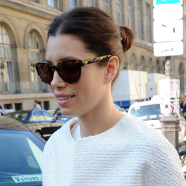 jessica biel à la fashion week de paris