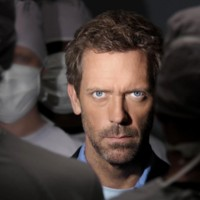 Photo : Hugh Laurie et son regard hypnotique