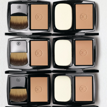 Tendance maquillage : fonds de teint Vitalumière compacts de Chanel
