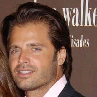 Photo : David Charvet, beau gosse en série