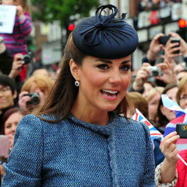 Kate Middleton, sa demi queue de cheval et son bibi