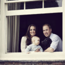 Portrait de famille prince George, Kate Middleton et le prince William, le 30 mars 2014