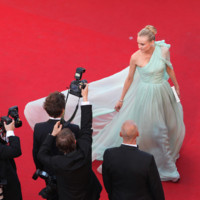 Diane Kruger lors de la monte des marches de la crmonie d&#039;ouverture du 65e Festival de Cannes