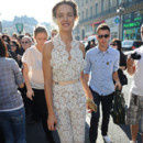 Natalia Vodianova arrive au Stella McCartney Spring/Summer 2012 durant la Fashion Week de Paris