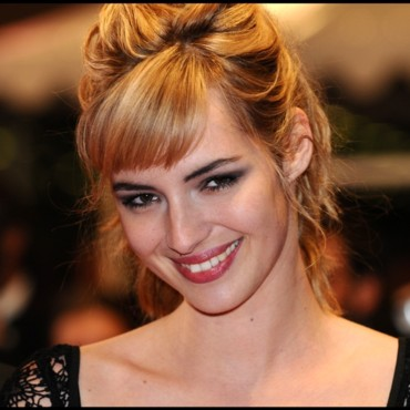 cannes dior Louise Bourgoin