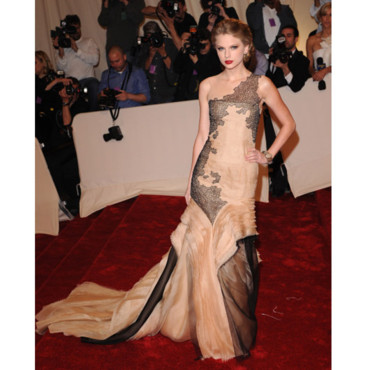 Les 20 plus belles robes de princesse-Taylor Swift