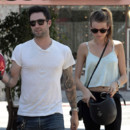 Adam Levine et Behati Prinsloo à Los Angeles en septembre 2012
