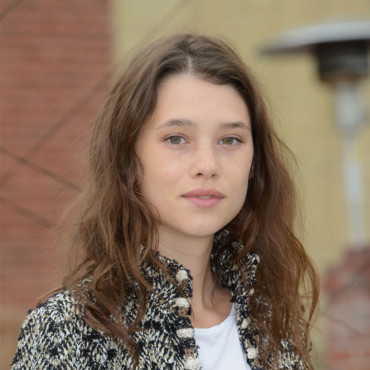 Astrid Berges Frisbey et son maquillage nude