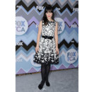Zooey Deschanel en robe Naeem Khan lors du Winter TCA Tour 2013 en Californie le 8 janvier 2013