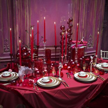5 d co de table majestueuses pour no l et le nouvel an very red christmas selon philippe model. Black Bedroom Furniture Sets. Home Design Ideas