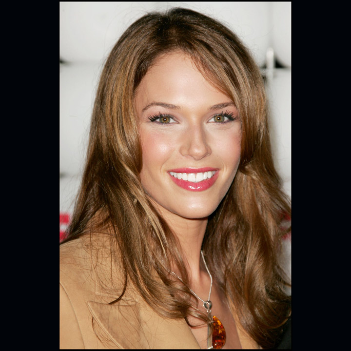 mentalist les coiffures de star d 39 amanda righetti grace van pelt mentalist amanda. Black Bedroom Furniture Sets. Home Design Ideas