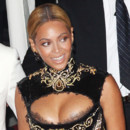 Beyonc, Vanessa Hudgens ... les stars sans soutien-gorge
