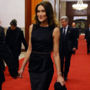 Carla Bruni Sarkozy en mode cocktail