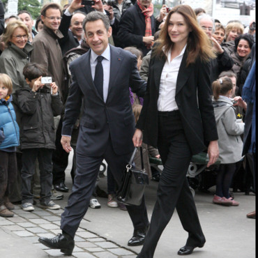 Carla Bruni Sarkozy en mode executive woman