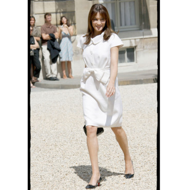 Carla Bruni Sarkozy en mode garden party