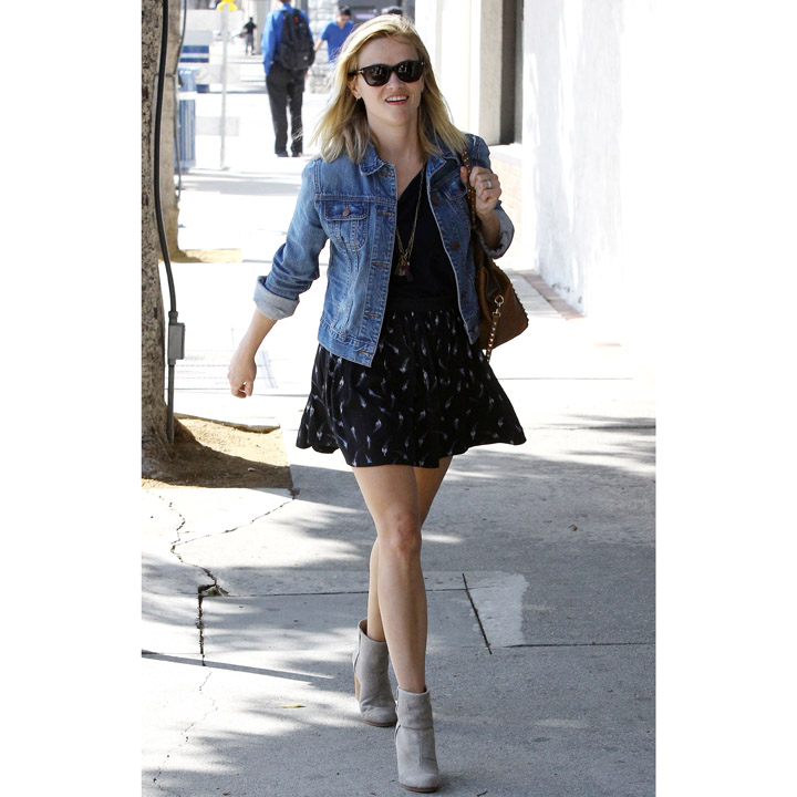 Reese Witherspoon à la sortie d'une session shopping chez Barneys, à Los Angeles le 30 mai 2013.