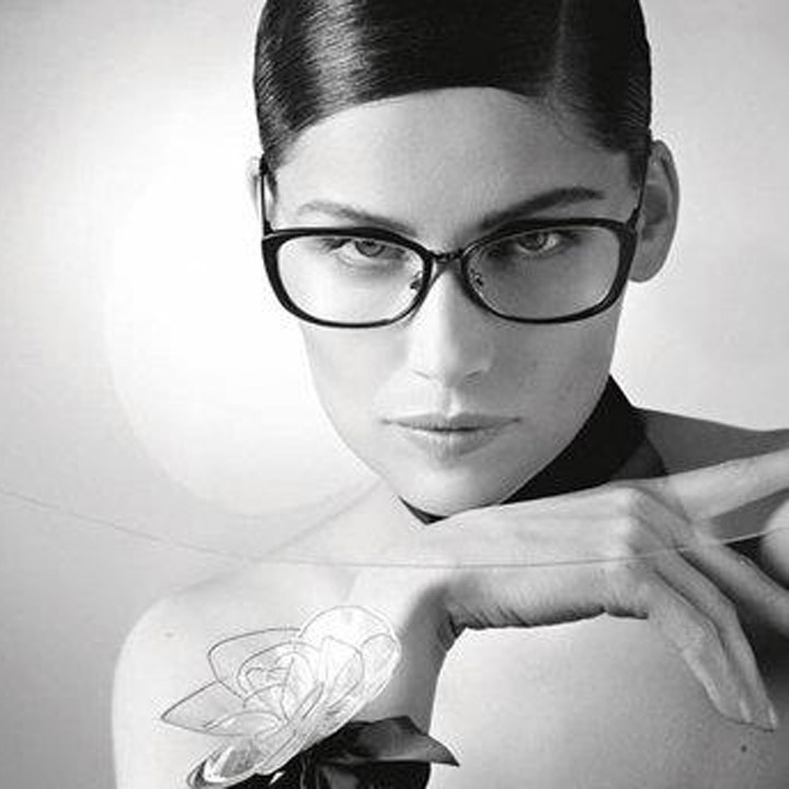 Laetitia Casta pour la nouvelle collection Chanel Eyewear Printemps-été 2013