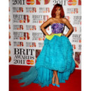Rihanna aux Brit Awards en Christian Dior Couture