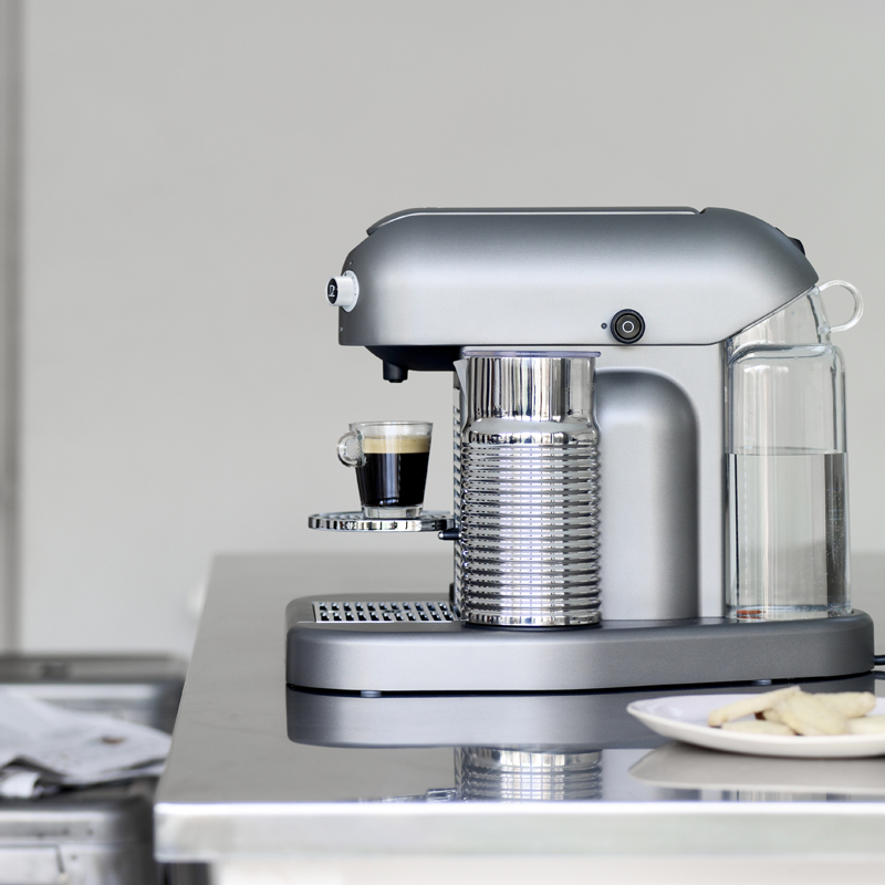 Machine caf d couvrez la nouvelle machine nespresso machine caf nes - Nouvelle machine a cafe ...