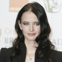 Photo : le regard de braise d'Eva Green
