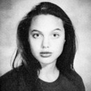 Angelina Jolie en seconde au lycée de Beverly Hills à Los Angeles en 1990