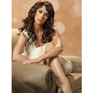 Jennifer Love Hewitt prend la pose