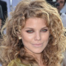 AnnaLynne Maccord maquillage rouge