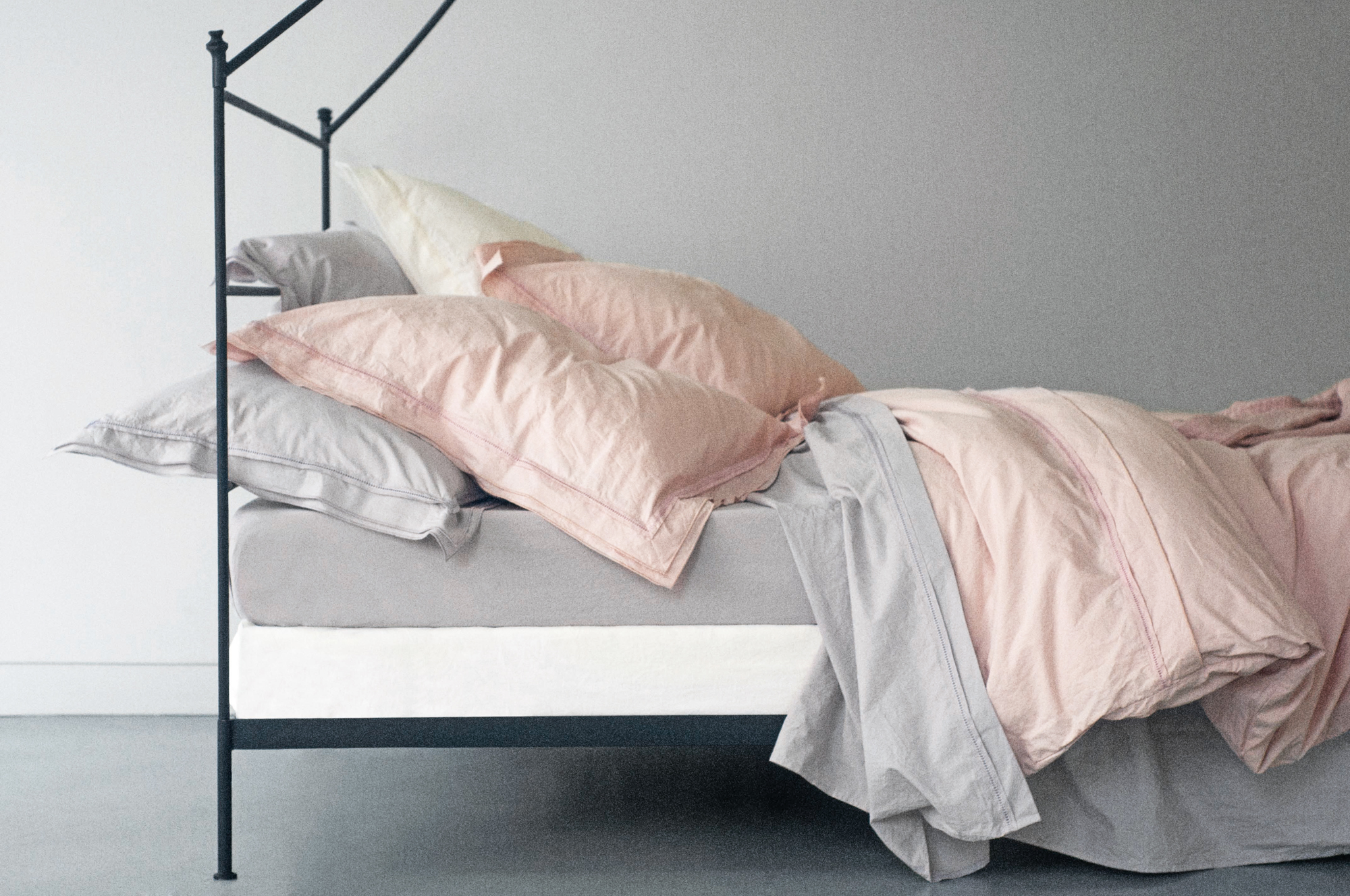 linge de maisons stunning matelas de sol imprim bicolore clover coton with linge de maisons. Black Bedroom Furniture Sets. Home Design Ideas