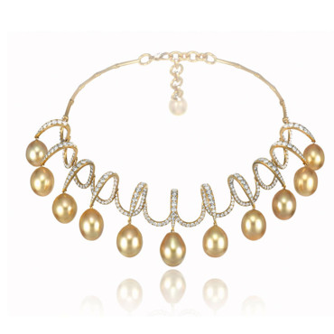 "Collier ""Red Carpet"" Chopard - 12 perles golden de 191,30 carats - prix sur demande au 01 55 35 20 10"