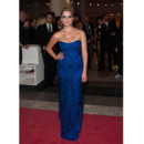 Ashley Benson en Alberta Ferretti