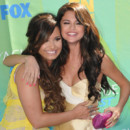 Selena Gomez et Dmi Lovato aux Teen Choice Awards 2011 à Los Angeles