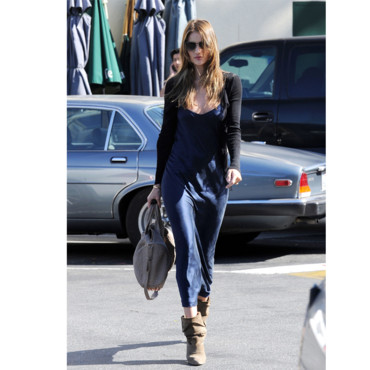 Rosie Huntington-Whiteley en mode boyish