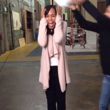 Kerry Washington pour le ALS Ice Bucket Challenge. Août 2014
