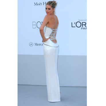Doutzen Kroes en robe tube