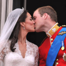 Le baiser de William et Kate au balcon de Buckingham Palace