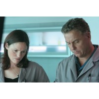 Photo : Jorja Fox et William Petersen dans Les Experts